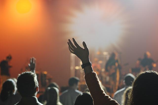 バンド集客ネタ!ネットの情報とリアルの行動から集客できて人気のある状態が再現出来るか考える